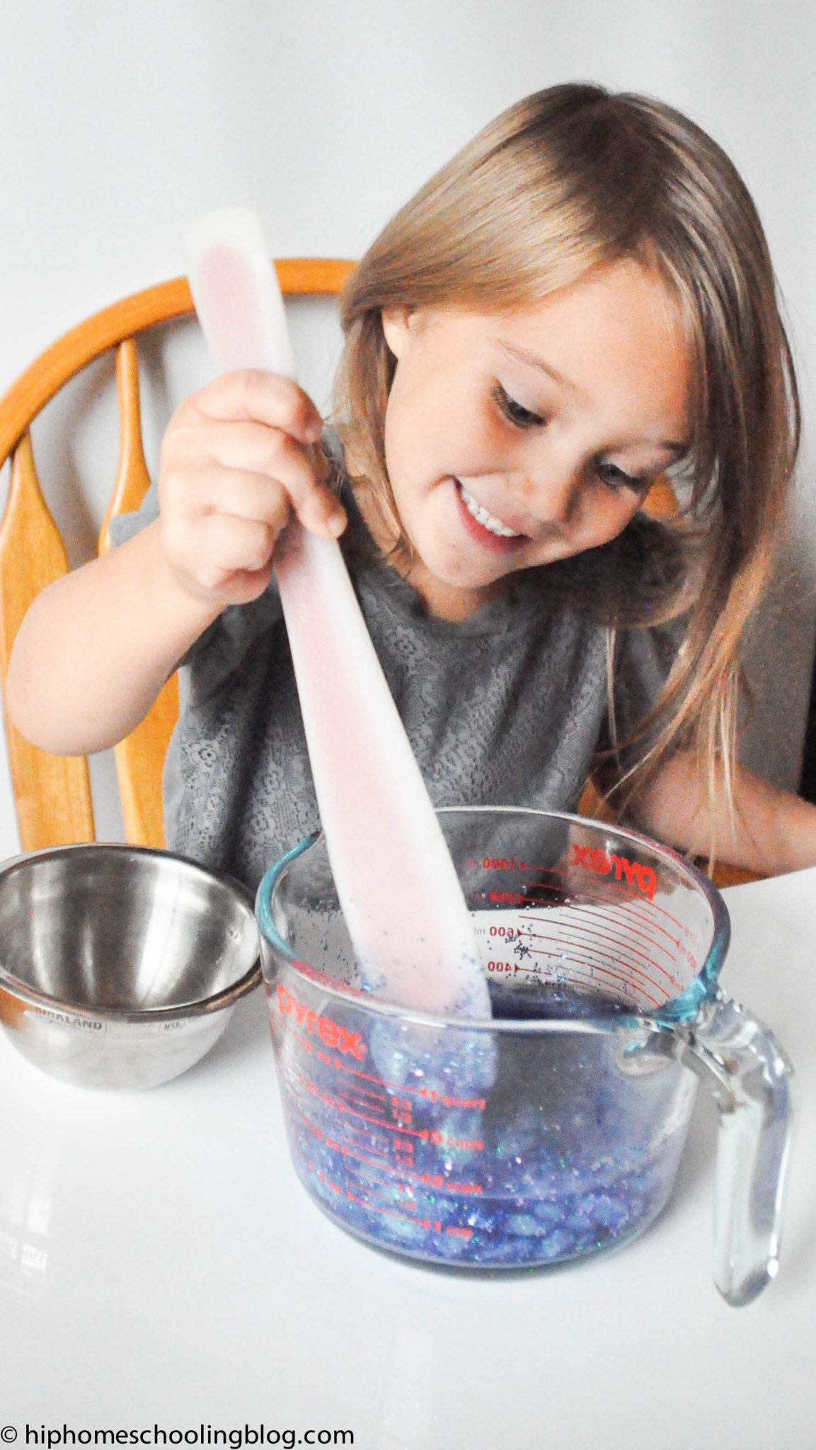 How to make silly putty step 4: mix in your borax/water ratio