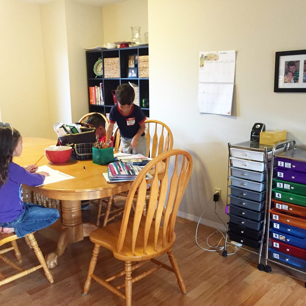 Homeschooling during a move: doing school at the kitchen table