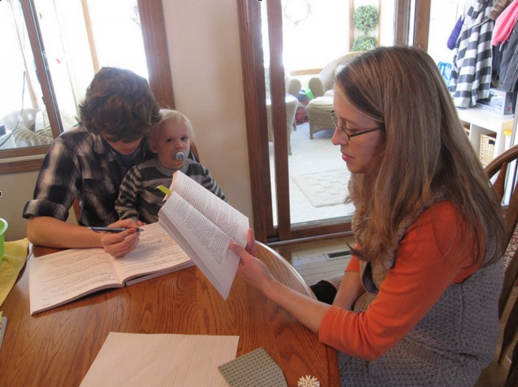 5 excellent ways to keep a clean house while homeschooling