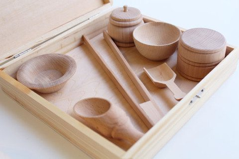 Montessori at home with this sensory box starter set!