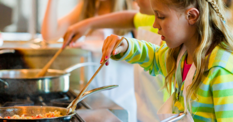 10 Surprising Benefits of Teaching Our Kids to Cook