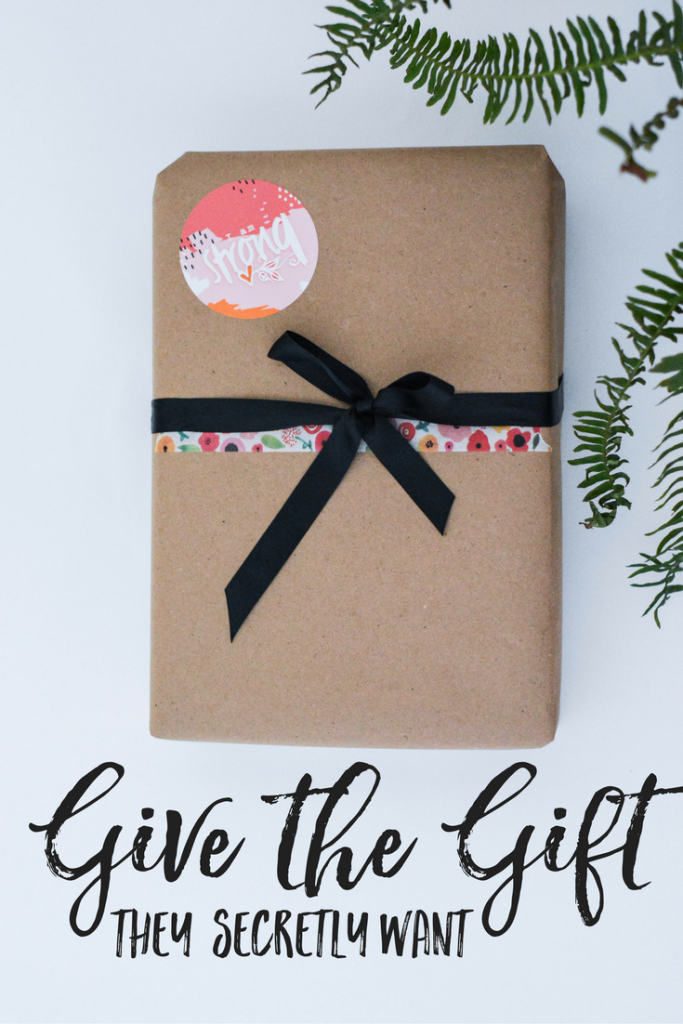 Give the Gift of Illustrated Faith | Bible journaling | journaling bible | unique gift ideas | beginner journaling bible | beginner bible journaling | bible journaling supplies for beginners | dayspring | illustrated faith gifts | gifts for stationary addicts |
