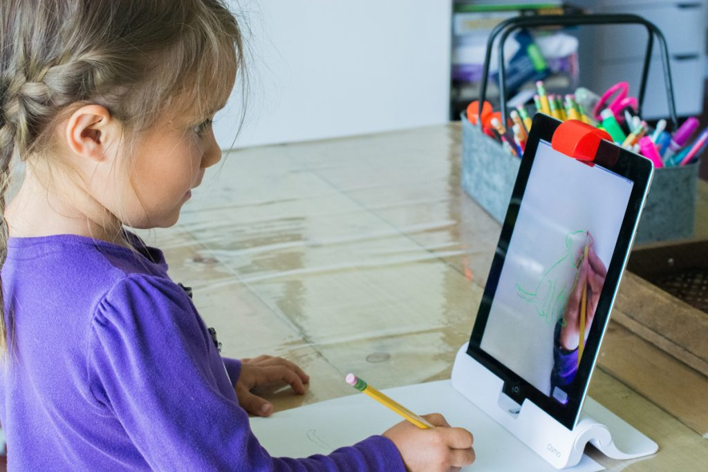 interactive educational games with Osmo (Masterpiece)